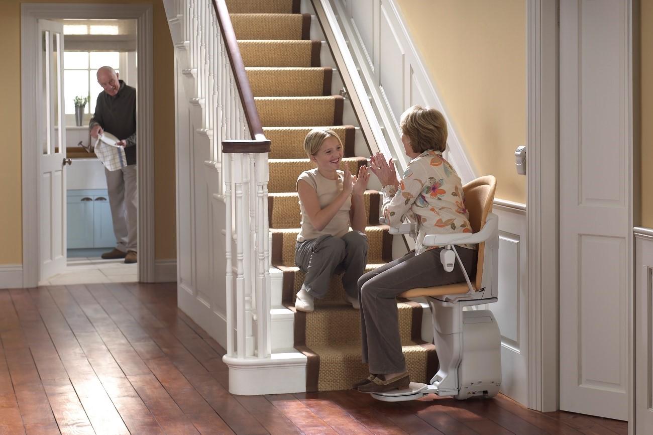 Otthon megöregedni a Stannah lépcsőlift segítségével